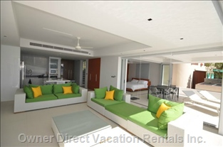 Living Area with Direct Ocean View
