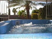 Large Private Canopied Hot Tub, View Mountains and Palms