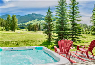 Greywolf View, Ski-in/out & Private Hot Tub, Mountain & Course Views!