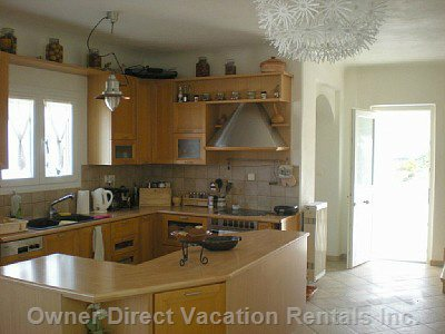 A Fully Equipped Kitchen with many Facilities