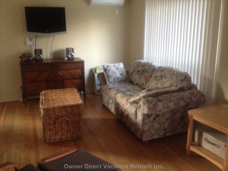 Living/Family Room - Air Con, Hdtv, Great Fold out Couch...