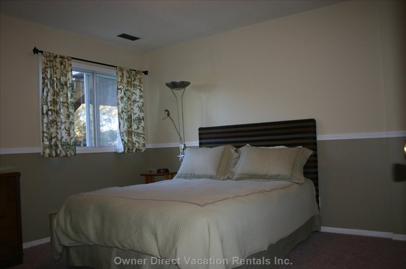 2 Large Downstairs Bedrooms, Queen Size Mattress, Double Closets, Dressers, Large Window