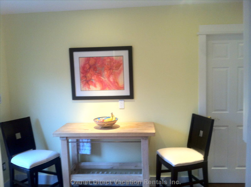 Seating for 2 in Kitchen