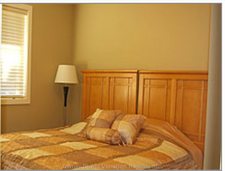 Main Level Bedroom  - either one King Or Two Twin Beds - your Choice