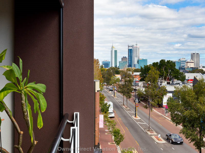 Balcony Views Direct to Perth Skyline, Only 2-5 Kms, Walking Distance
