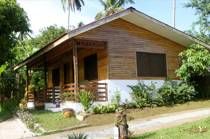 The Bungalows - Furnished with Cable Tv , Sleeps 4  Double and Bunk Bed - En Suite  Bathroom we Have 4 Bungalows Available