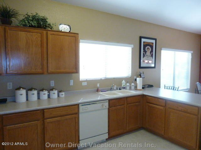 Bright Kitchen - Large Counter Workspace