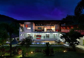 Modern Private 8 Bedrooms Villa