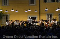 Concert in the Fattoria Courtyard with Vladimir Ashkenazy Conducting
