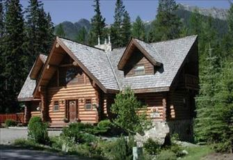 Spacious Log Home with Large Kitchen, Great Room and Log Burning Fireplace!