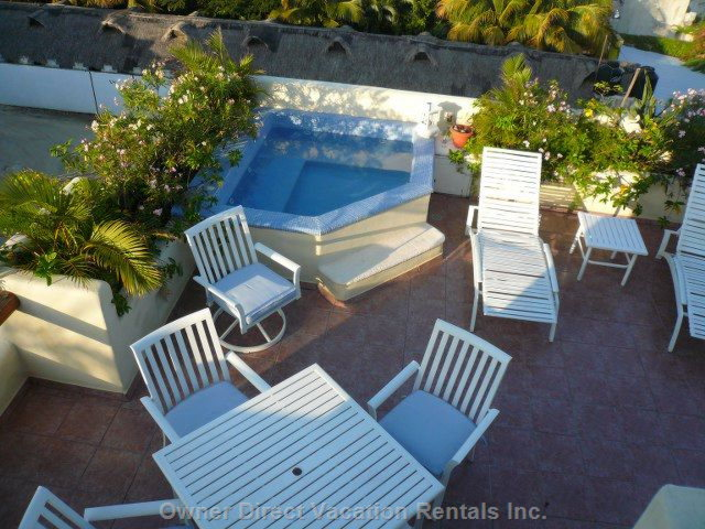 Overview of Private Rooftop Jacuzzi Area