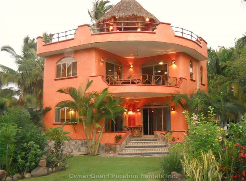 Villa Reyes at Dusk: Modern, Comfortable and Facing the Pacific Ocean.
