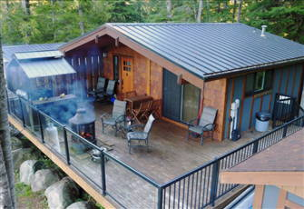Secluded Cottage with Bunkhouse & Covered Hot Tub - Port Renfrew