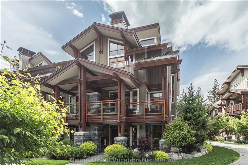 Beautifully designed Fitzsimmons property across 4 levels