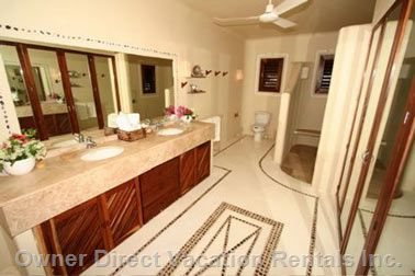 One of the 6 En Suite Bathrooms.