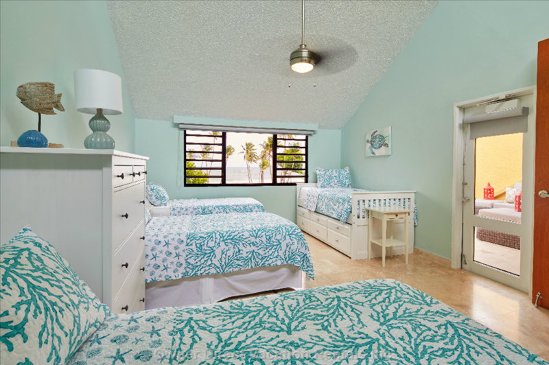 Surf Side Bedroom for 5