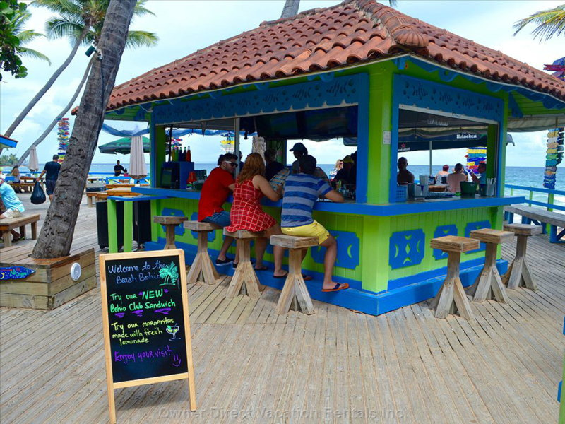 3 Min Walk to a Great Beach Bar&Grill. 15 other Restaurants within Walking Distance