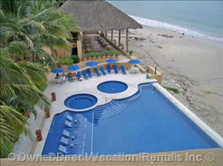Los Palmares Pool and Restaurant