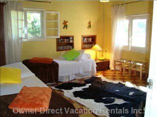 Lagoon Double Bedroom with Shared Bathroom
