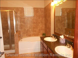 Ensuite Bathroom with Separate Shower, Toilet and Bath