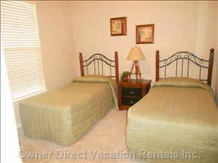 2nd Bedroom with Twin Beds and Ensuite Bathroom