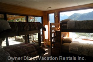 Lower Level Bunk Room Overlooking Lake