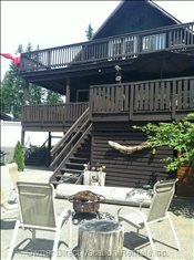 Shared Fire Pit, Large Bottom Balcony Private to Suite 2 Guests.