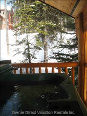 Private Hot Tub on the Back Deck
