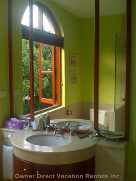 Lily Pond En-suite Bath with Rainforest Shower
