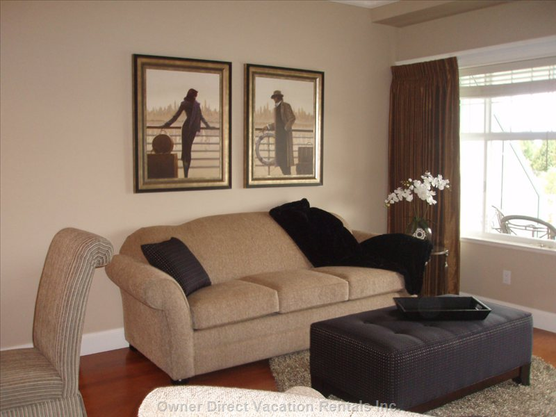 Great Room W/Queen Sofa Bed