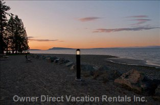 Qualicum Beach - Easy Strolls along the Walkway!