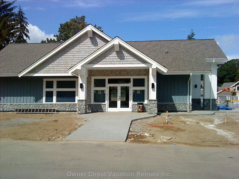 Clubhouse - this is the Qualicum Landing Clubhouse with a Games Room, Fitness Room, Pool Table and 2 Bathrooms with Showers.