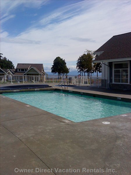 Outdoor Pool - Outdoor Pool with 2 Hot Tubs - Adult and Kids!