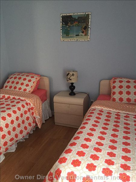 Bedroom with Two Singles
