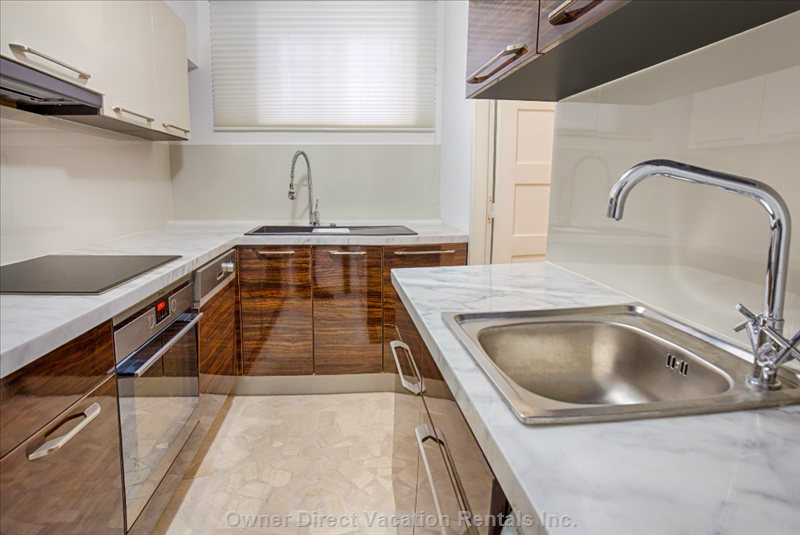 Brand New Fully Equipped Kitchen and Laundry.