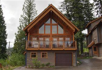 A well Appointed, Pet Friendly Chalet Awaits you!