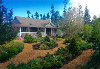 Vintage Accommodation for Two Located near Courtenay, British Columbia