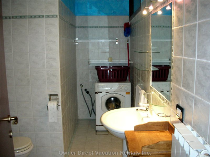 Master Bathroom, Shower Box & Washing Machine