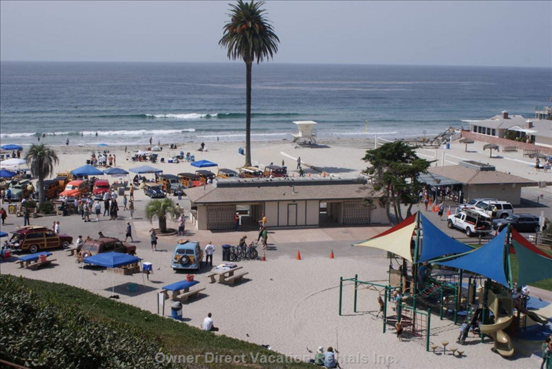 Famous Moonlight Beach Play Area, Volleyball, Fire Pits, Food, Showers