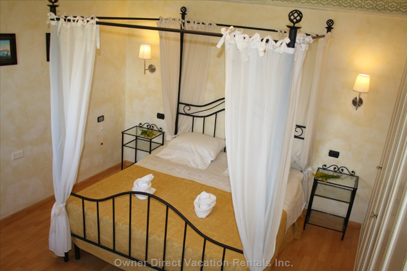 "Bedroom ""Romantica"""