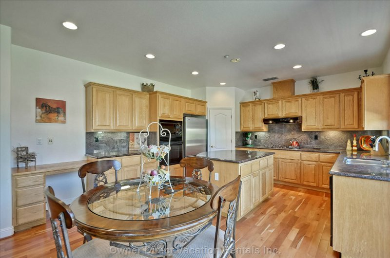 Beautiful Eat in Kitchen with Seating for 4.