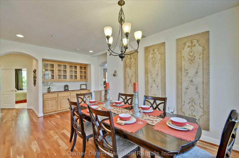 Formal Dining Room with Seating for 6.