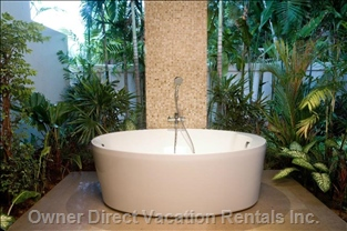 Balinese Style Outdoor Bathroom for Master Bedroom