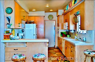 Fully Supplied Kitchen, with High Quality Amenities