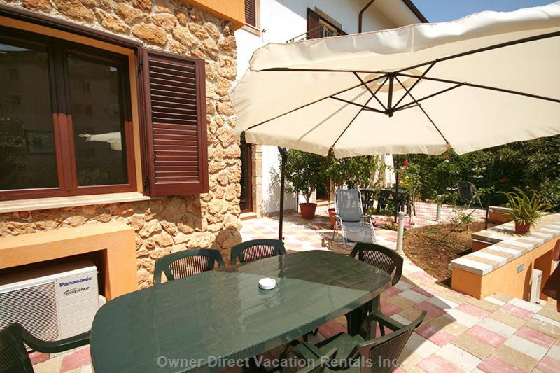 Private Terrace with Barbecue Area (2)
