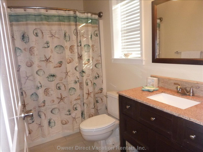 Master Bath with Full Size Tub/Shower