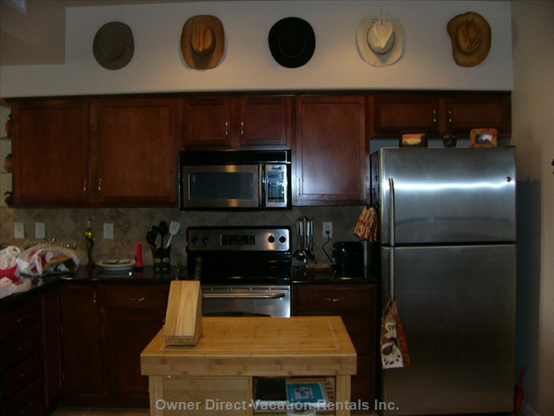 Kitchen with Stainless Steel Aplliances
