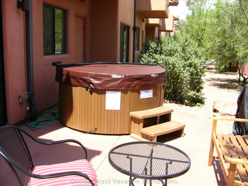 Patio Area with Hut Tub