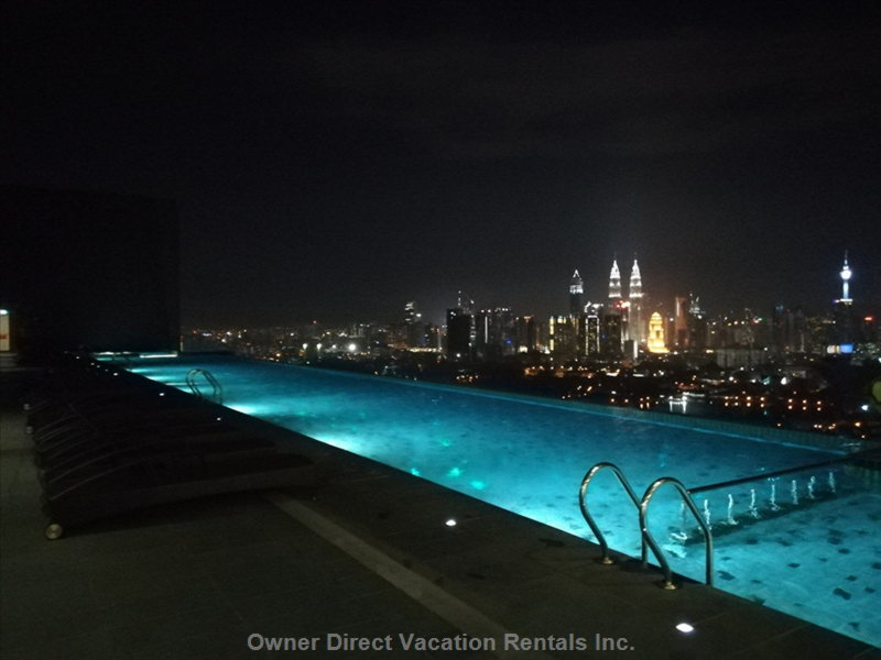 Infinity Sky Pool with Kl City View