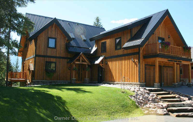 Exterior of Canyon Ridge Lodge
